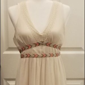 Gorgeous sleeveless Maxi Dress Size Medium